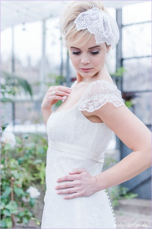Brautschleier spitze ivory strass kido design for Brautschleier ivory einlagig